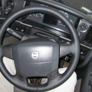 volvo truck black
